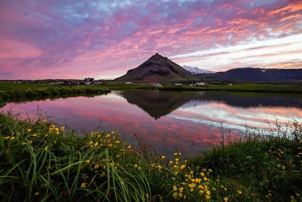 Időjárás Izlandon nyáron: éjféli napsütés