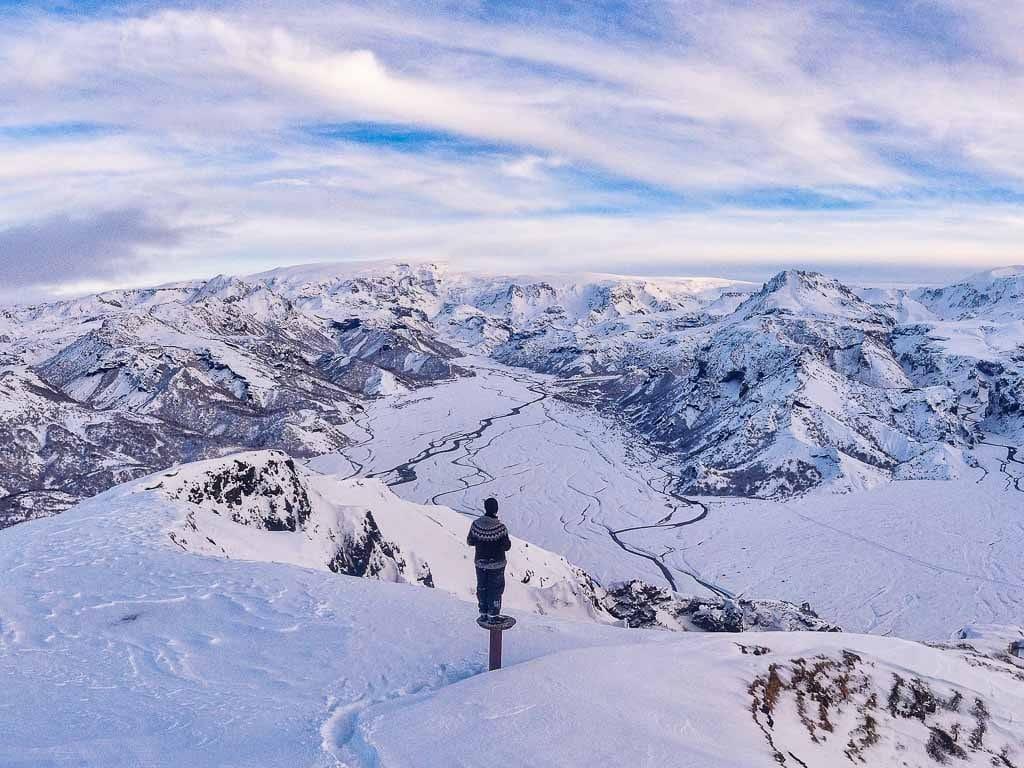 Gyönyörű, havas izlandi táj, kilátás a Felföldre Thorsmökrből