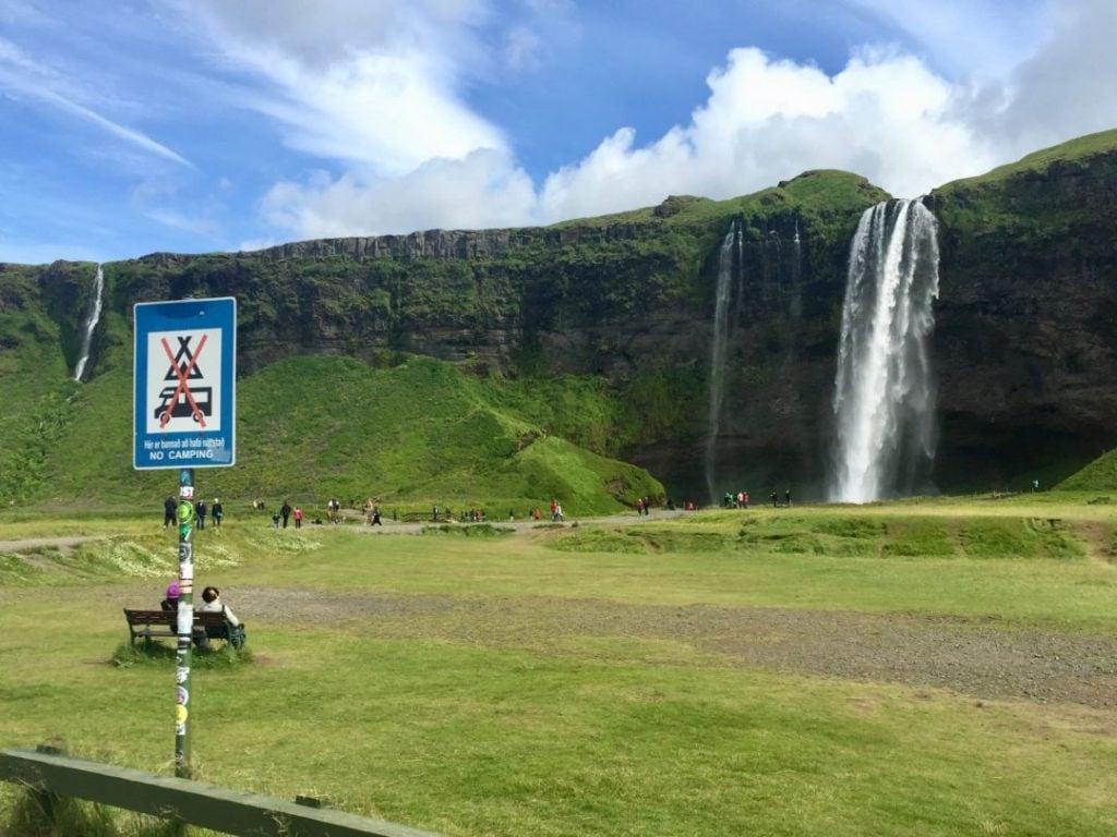 csakis kijelölt kempingekben lehet kempingezni Izlandon
