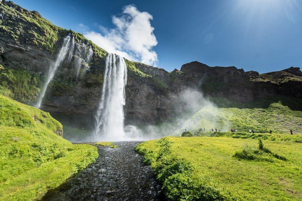 Dél Izland látnivalók - Seljalandsfoss vízesés