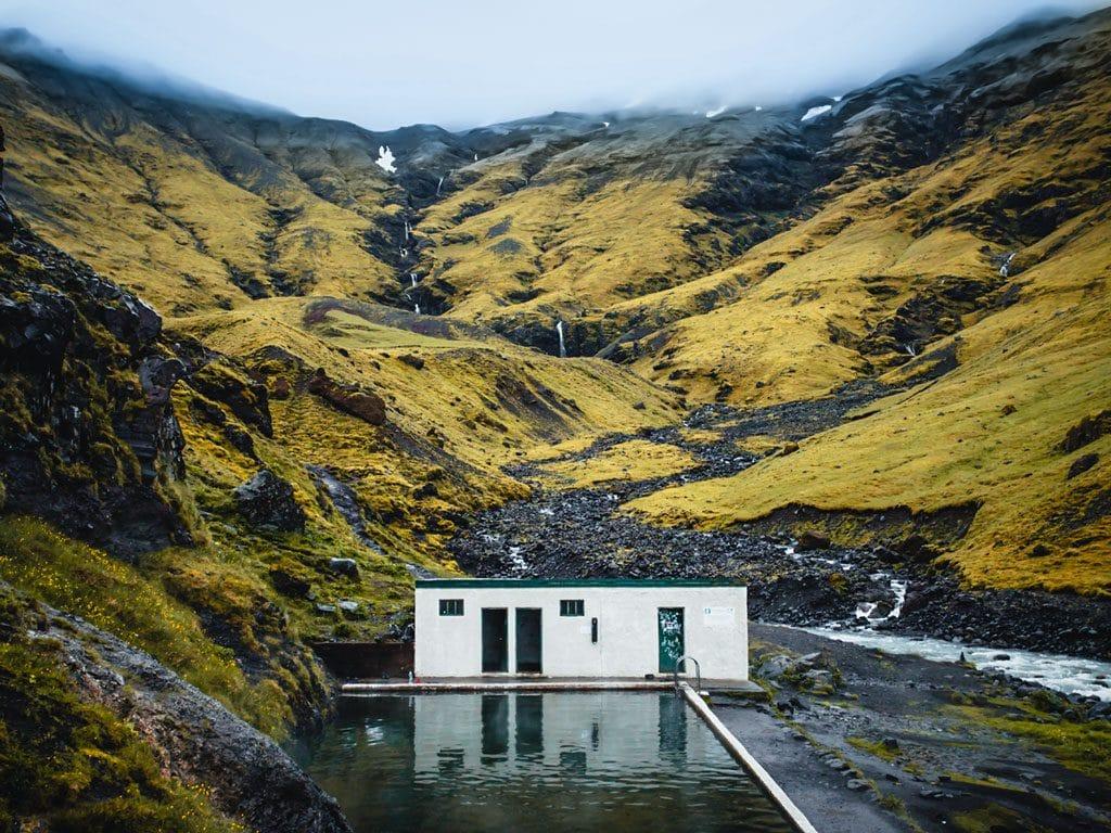Dél Izland látnivalók - Seljavallalaug fürdő