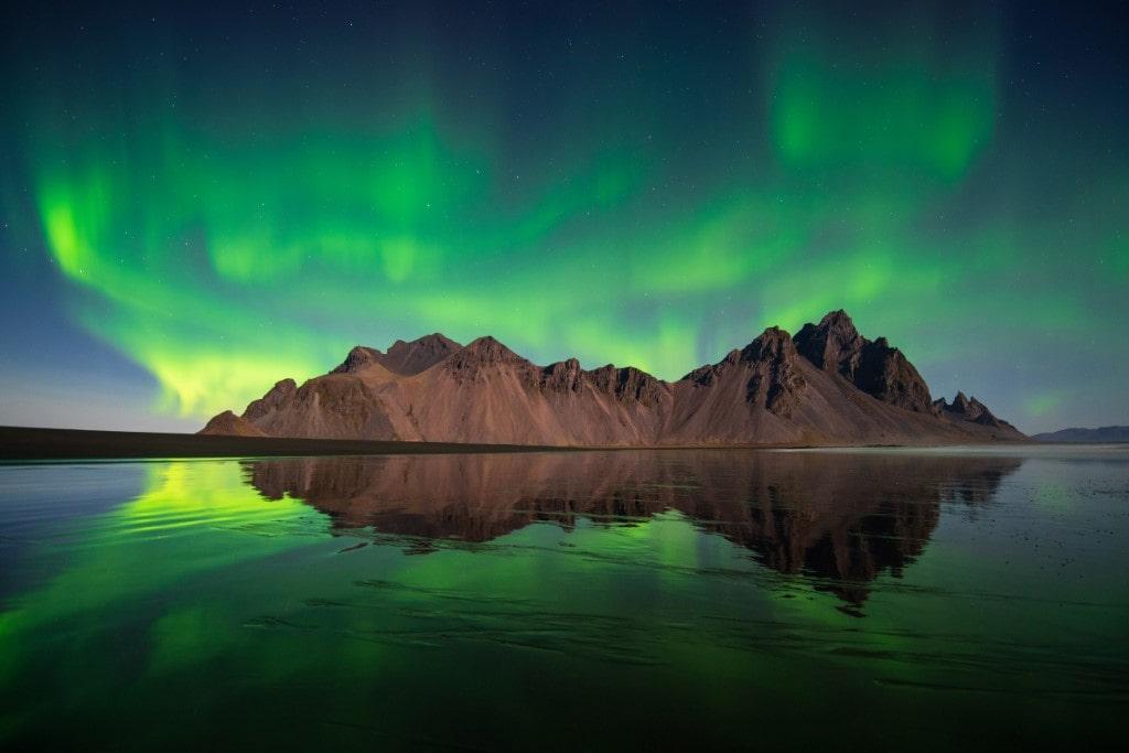 sarki fény dél-kelet izland stokksnes